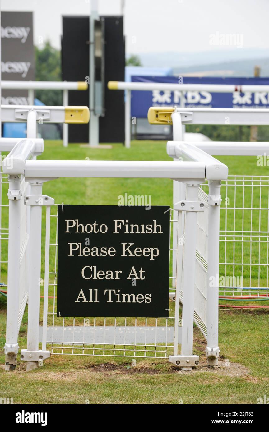 Photo finish: Glorious Goodwood hippodrome dans West Sussex. Photo par Jim Holden. Photo Stock