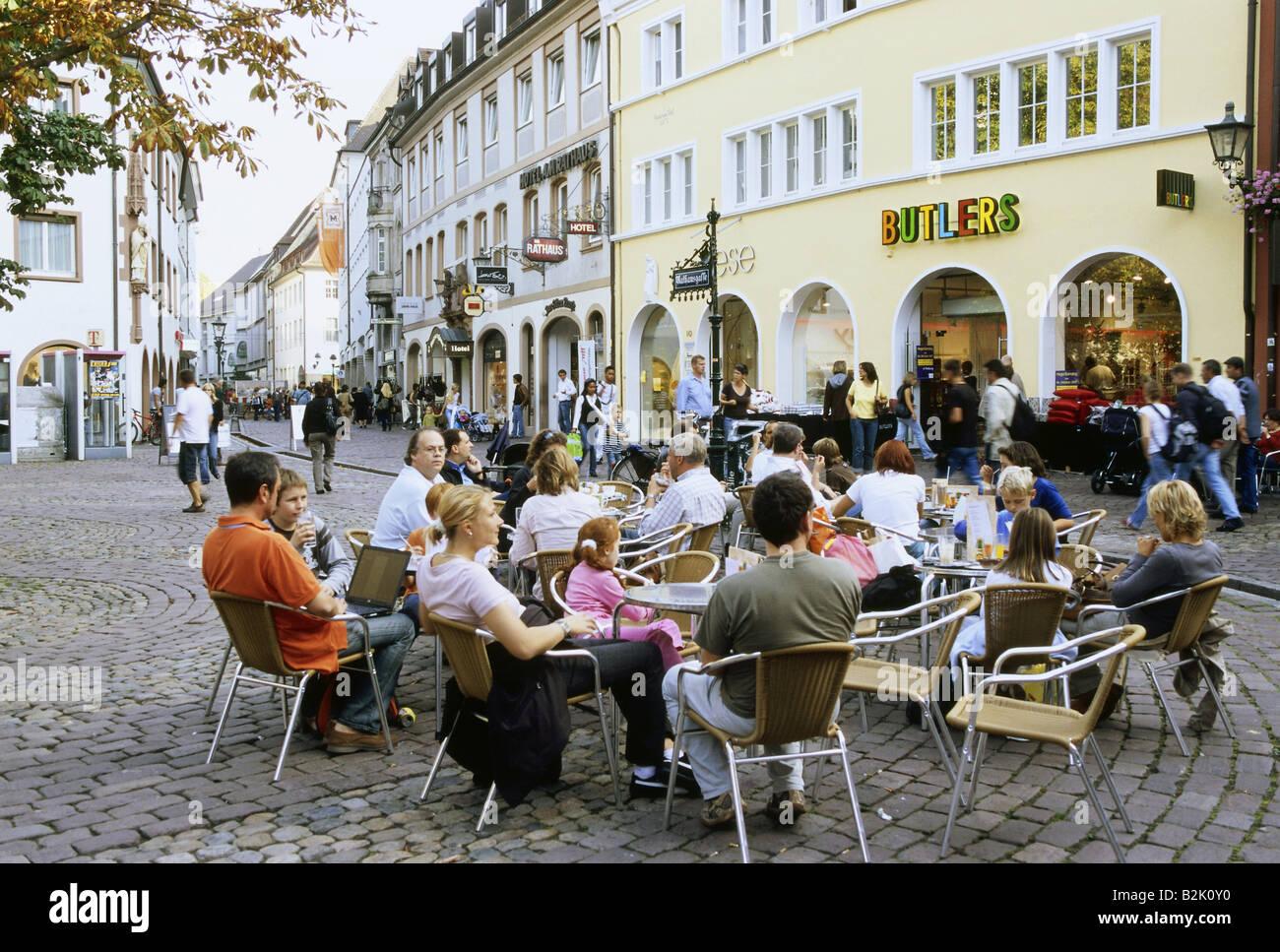 Géographie / voyage, Allemagne, Bade-Wurtemberg, Freiburg, gastronomie, café de la rue sur la Rathausplatz, Photo Stock