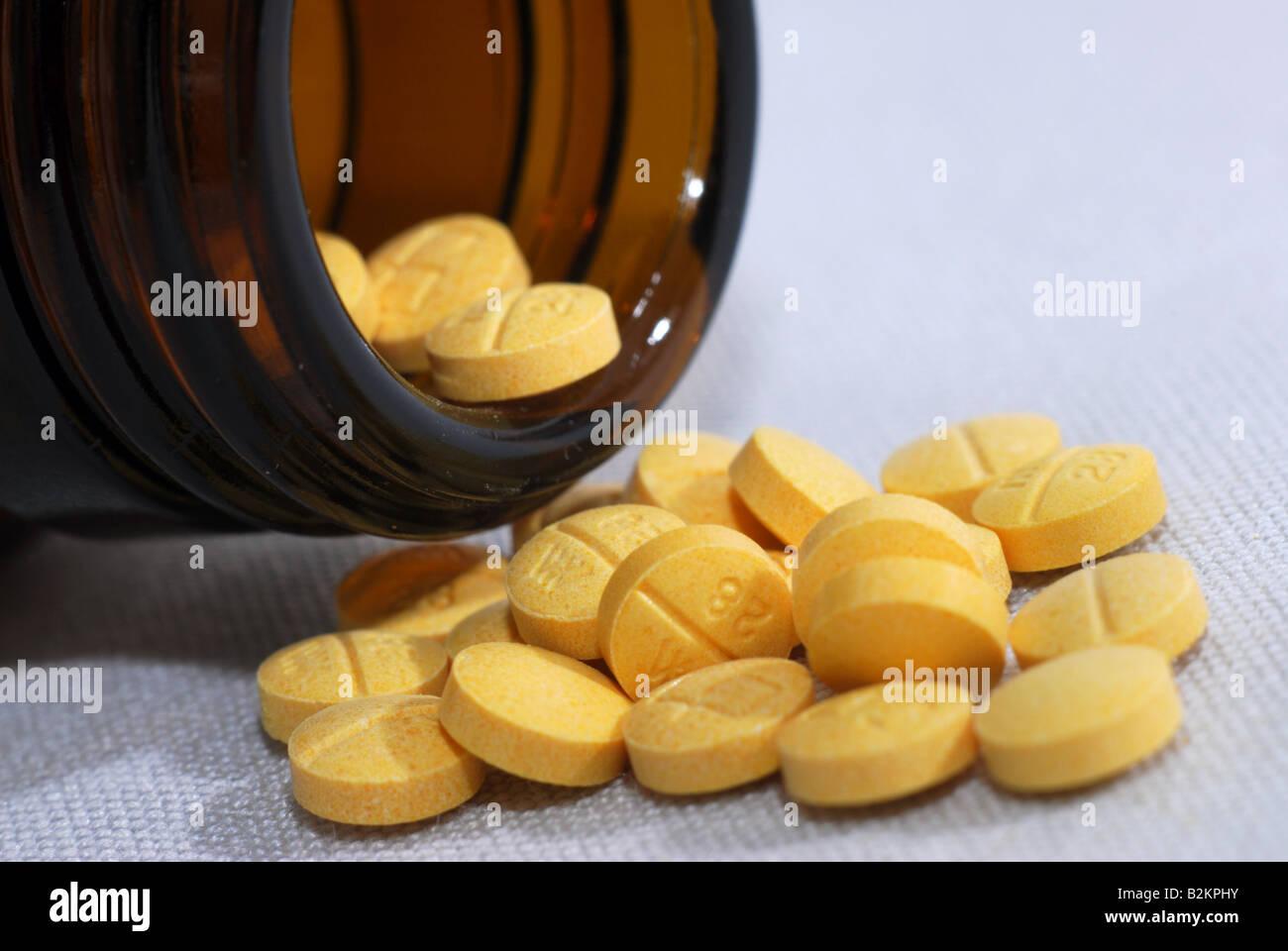 Image générique d'acide folique Vitamine B comprimés qui sont prescrits pour la croissance et Photo Stock