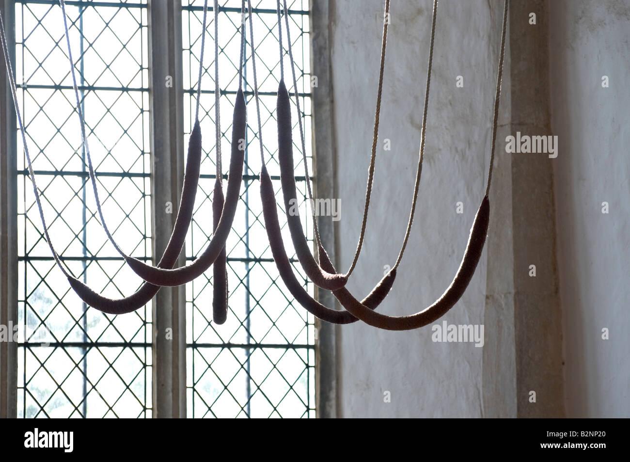 Cordes Bell dans une église de Suffolk, l'église Holy Trinity Suffolk Framlingham Banque D'Images