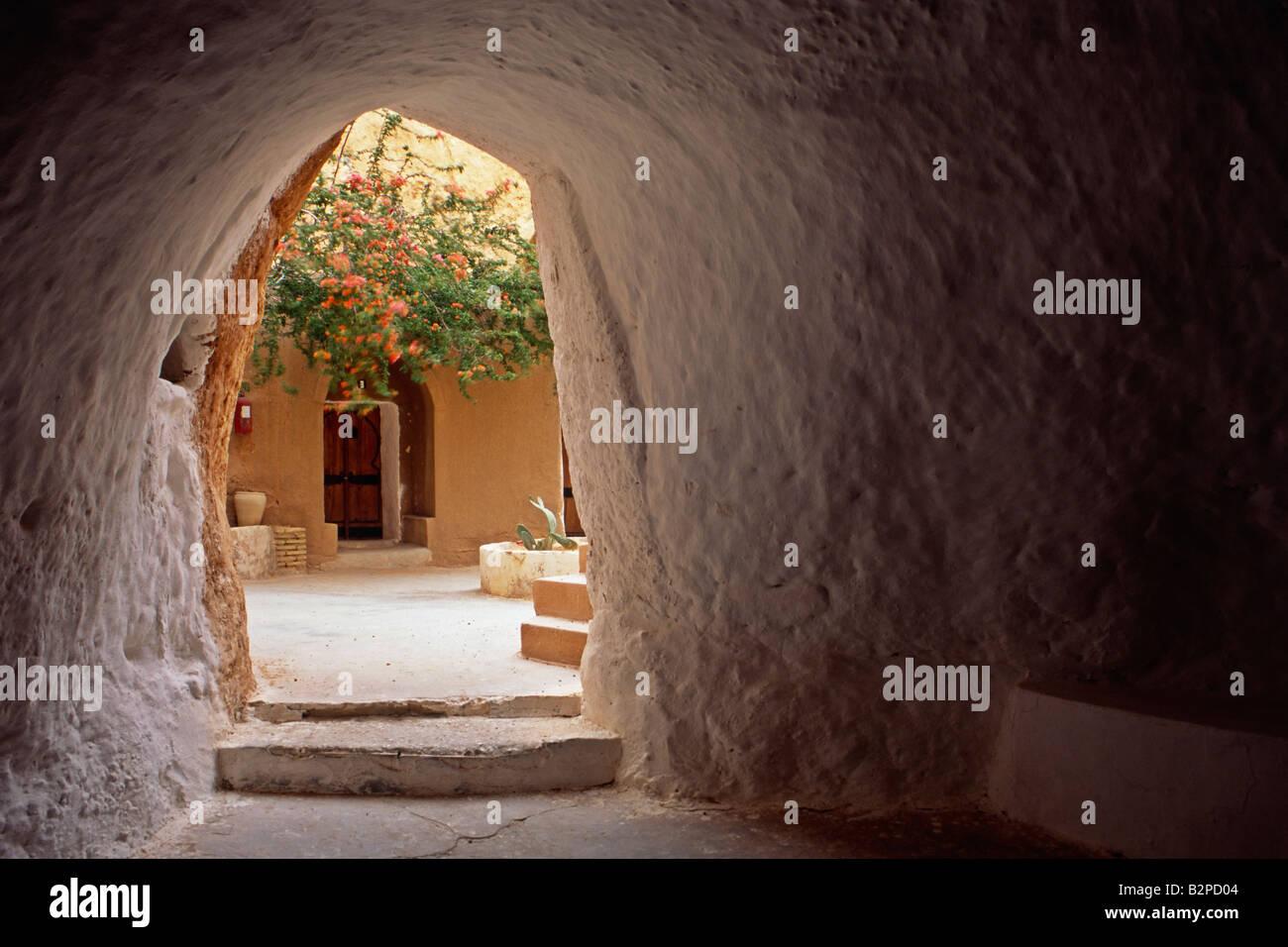 Intérieur de la grotte hôtel à Matmata en Tunisie. L'hôtel a été utilisé Photo Stock