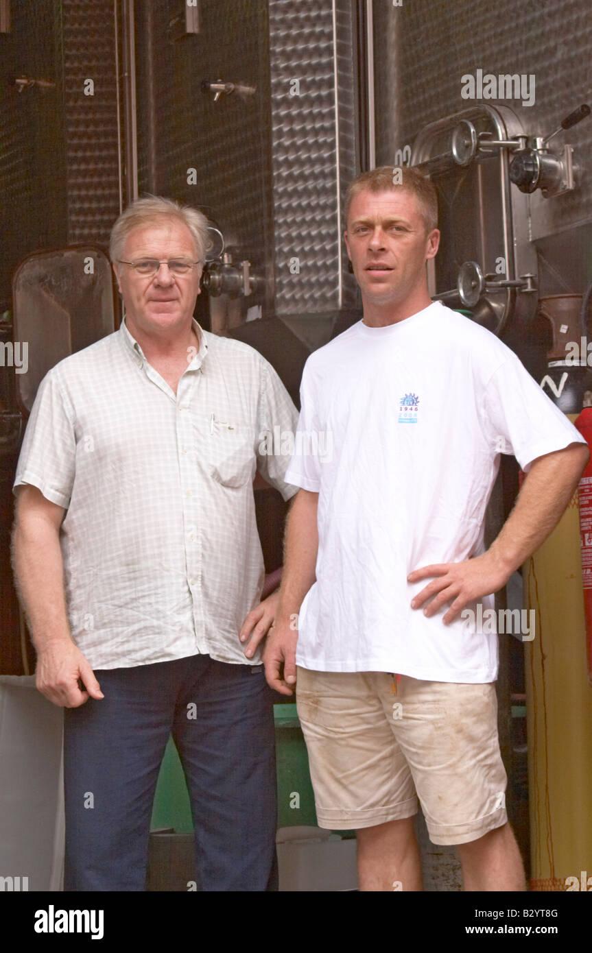 Franck et Pierre Piquemal. Domaine Piquemal, espira de l'Agly, Roussillon, France Banque D'Images
