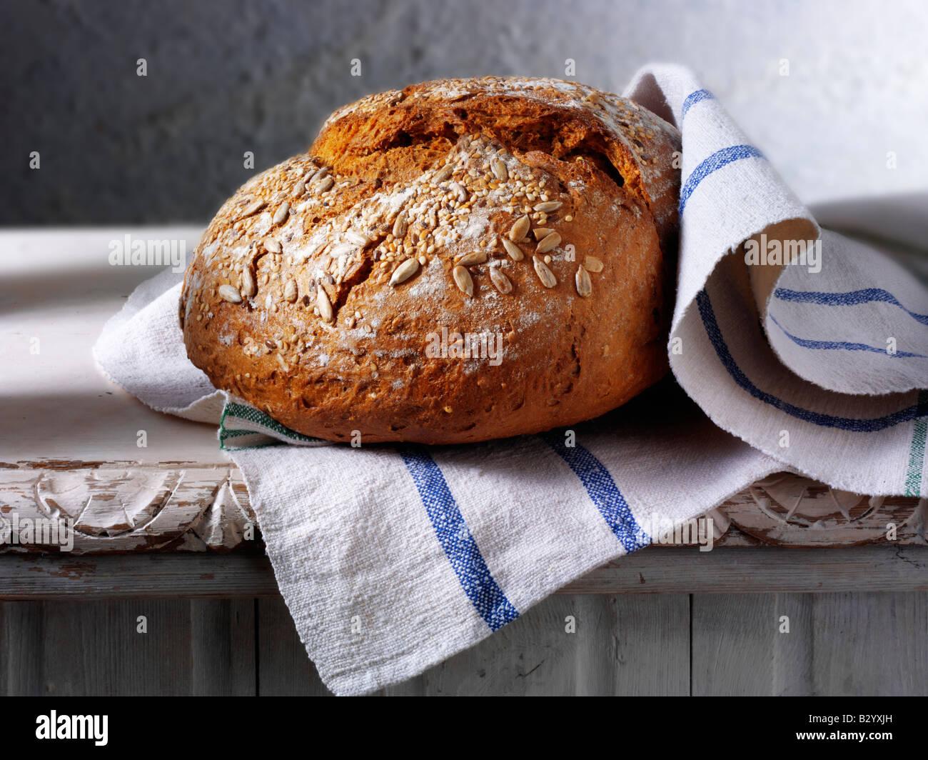 Miche de pain complet Photo Stock