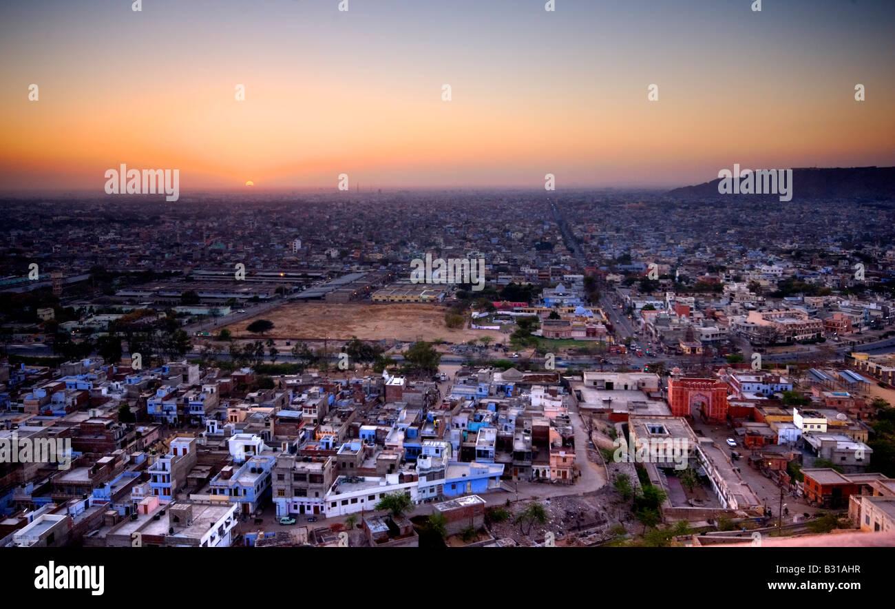 Crépuscule sur la ville de Jaipur, Rajasthan, Inde, sous-continent indien, en Asie Photo Stock