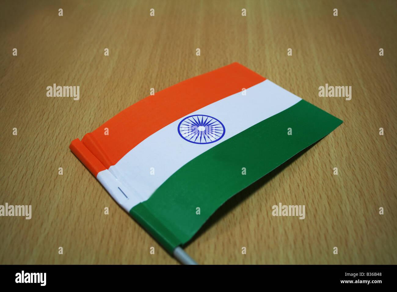 La cartouche 3 couleurs drapeau de l'Inde avec une roue de 24 rayons hissé sur le jour de l'indépendance 15 Aug est la fierté de chaque Indien Banque D'Images