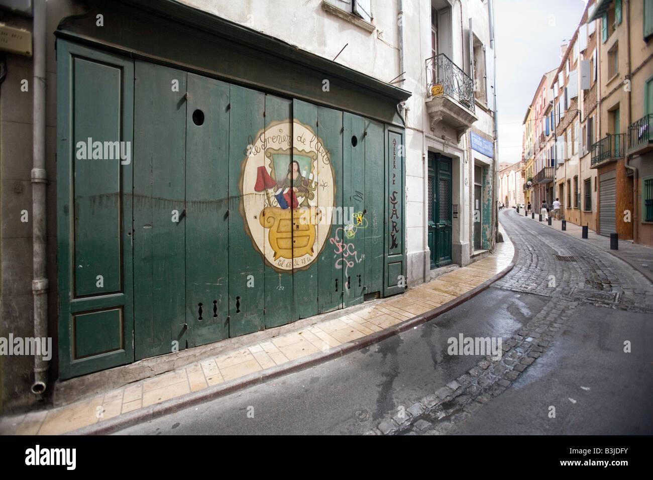Une rue de la vieille ville de Perpignan, France Photo Stock