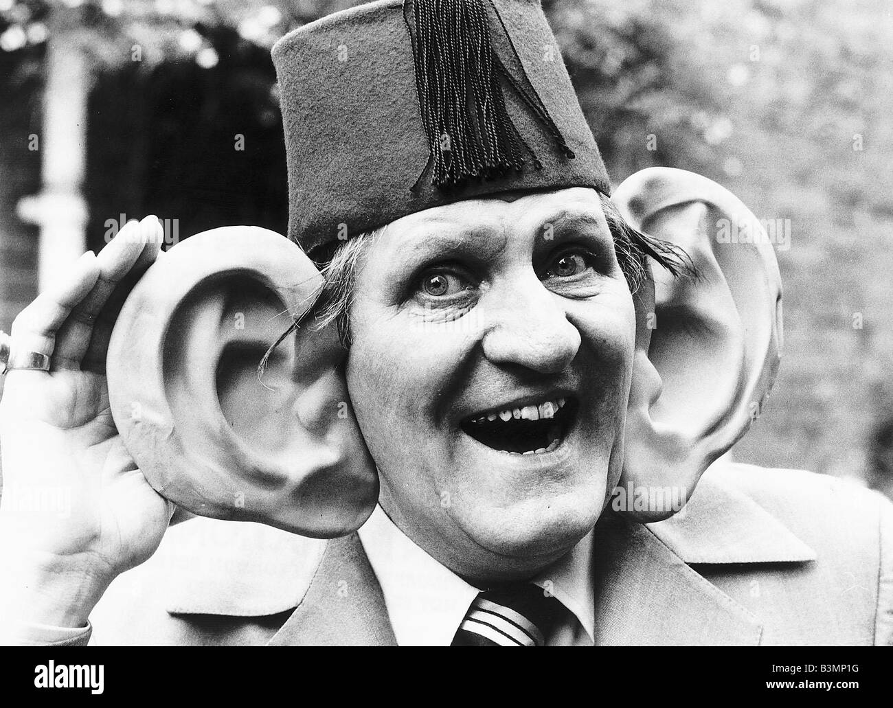Tommy Cooper magicien comique Photo Stock