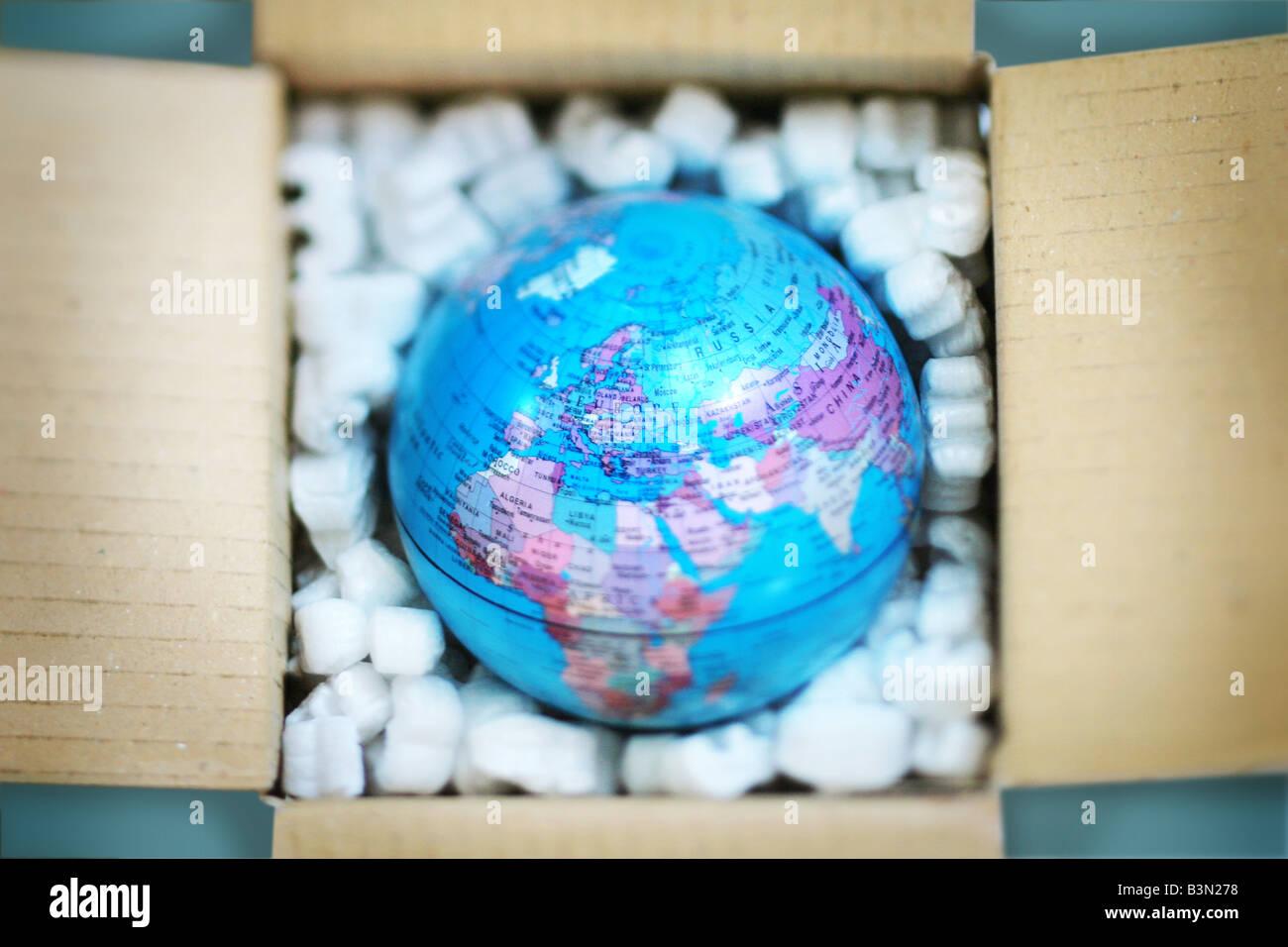 Globe dans un emballage de protection Photo Stock