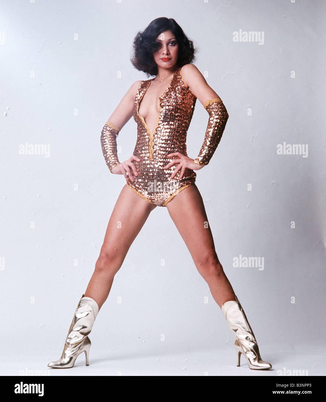 La mode des années 1970, de danseur et gold glitter boots dans un style Wonder  Woman