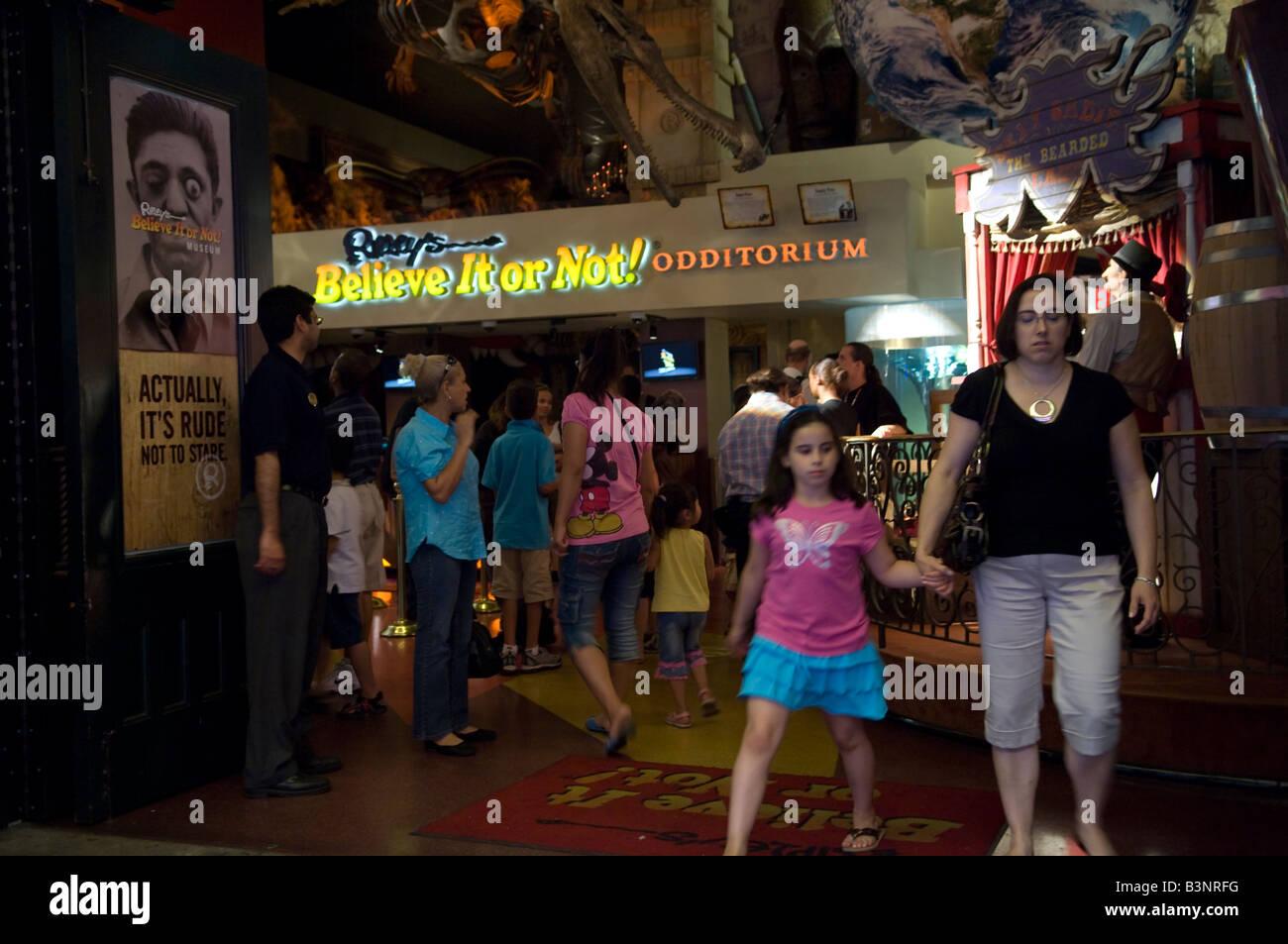 Ripley s Believe It or Not Odditorium dans Times Square le 20 août 2008 Frances M Roberts Photo Stock