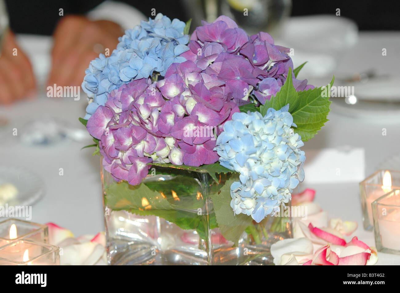 centre de table mariage bouquet de fleurs d'hortensia banque d