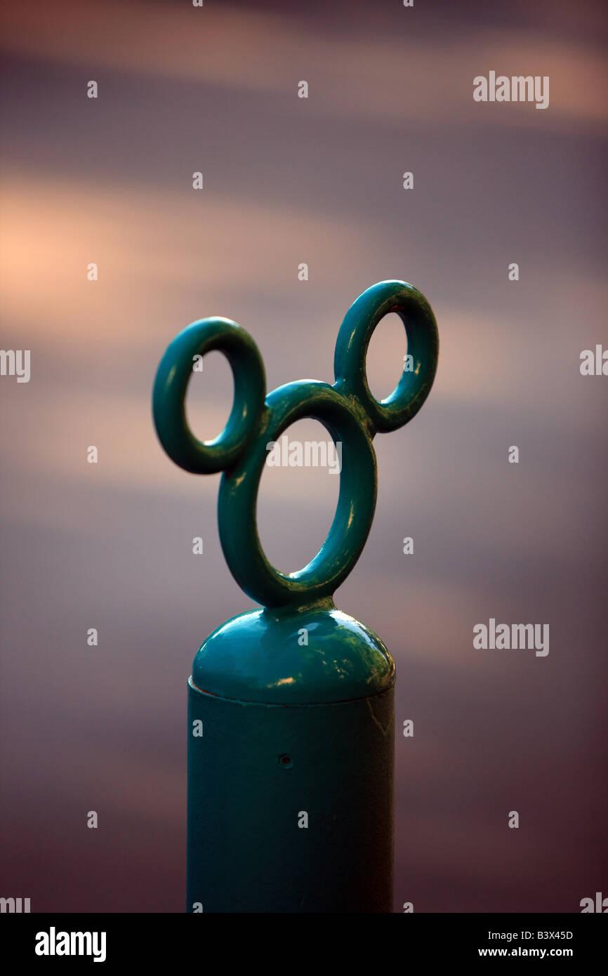 Oreilles De Mickey Mouse Un Symbole De Disneyland Banque D Images
