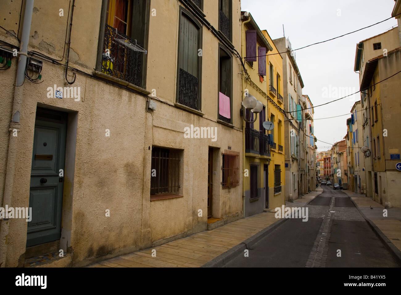 Ruelle dans la vieille ville de Perpignan France Photo Stock