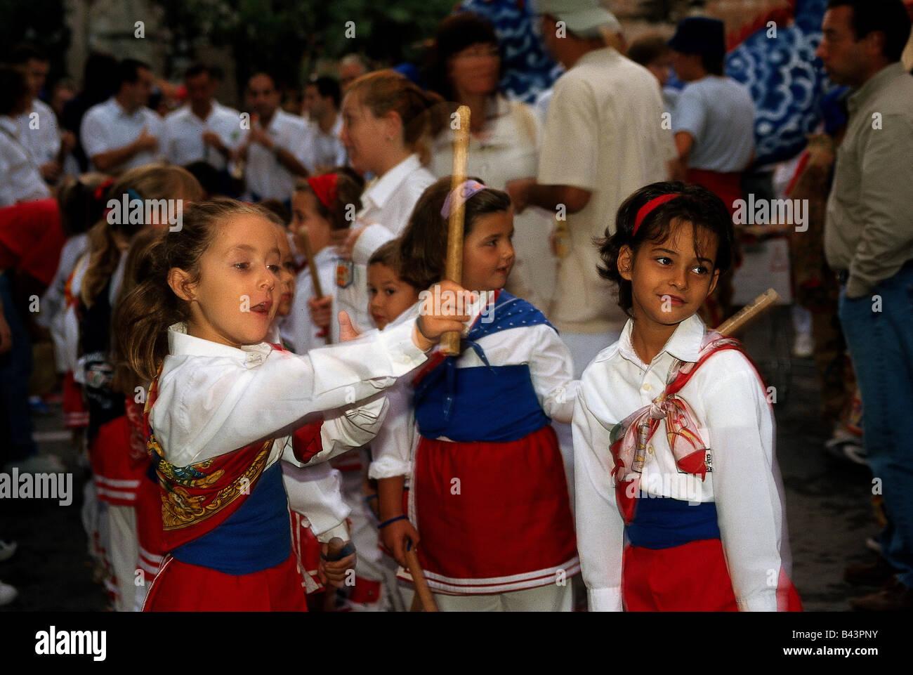 Géographie / voyages, l'Espagne, les gens, les enfants en costumes traditionnels à la Festa Major de la Merca, à Sitges, Costa Daurada, folklore, tradition, Merce, , Additional-Rights Clearance-Info-Not-Available- Banque D'Images