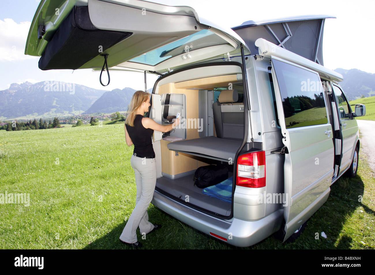voiture vw volkswagen california comfortline tdi minibus camping car camping l 39 ann e de. Black Bedroom Furniture Sets. Home Design Ideas