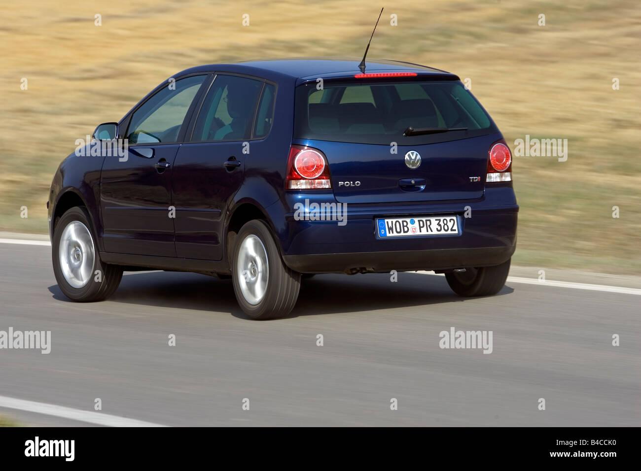 Voiture Vw Volkswagen Polo 19 Tdi Modèle De Lannée 2005 Bleu