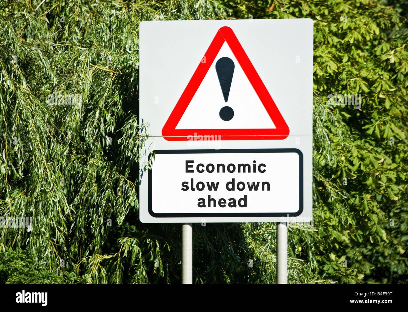 Avertissement concept financier de ralentissement économique, récession, avant l'Angleterre UK Photo Stock
