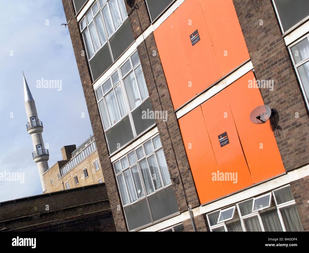 UK abandonné le logement conseil domaine près de mosquée de Hackney à vendre au secteur privé Photo Stock