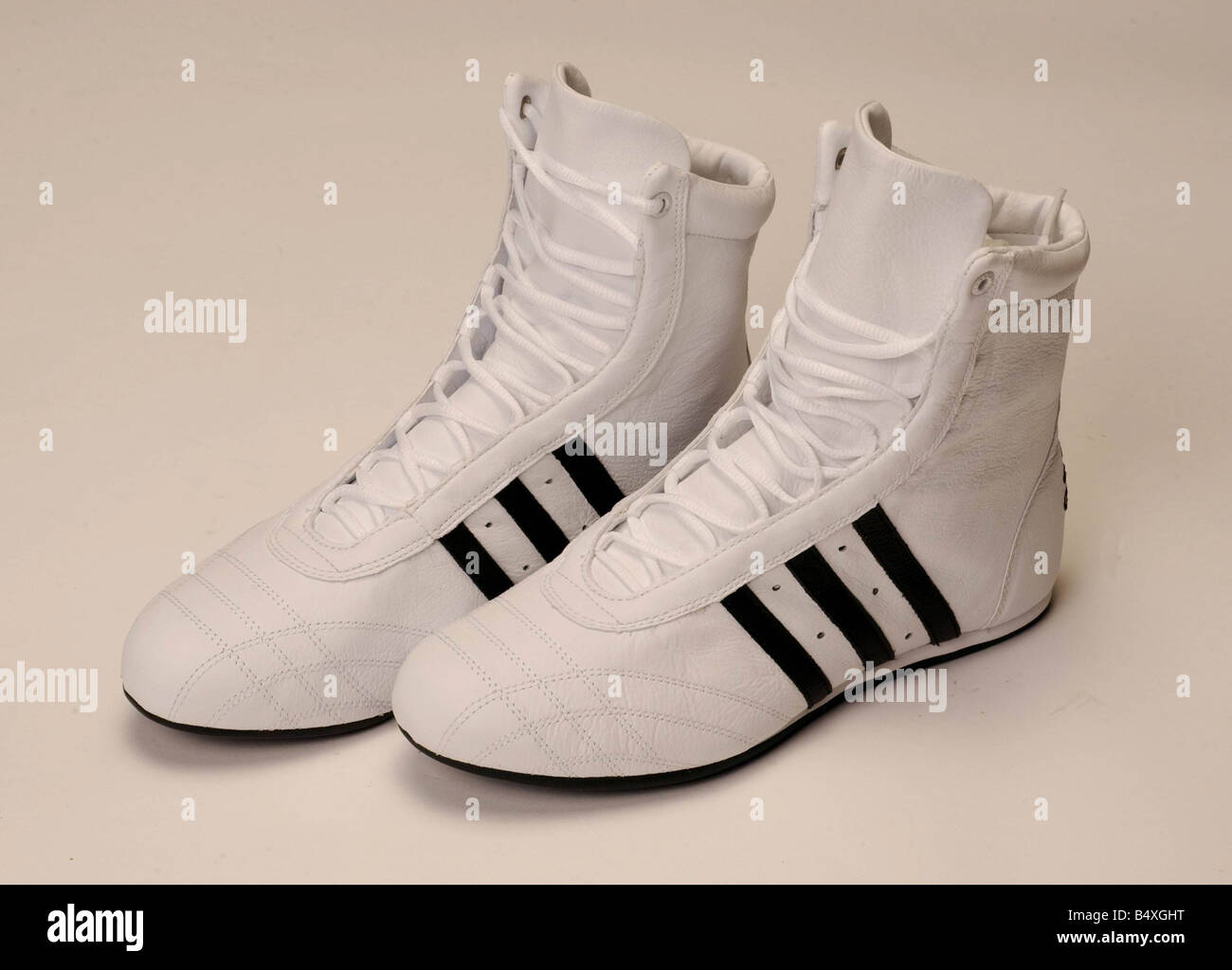 ever popular save off 100% genuine Fonction Chaussures Bottes de boxe Adidas Mai 2003 Banque D ...