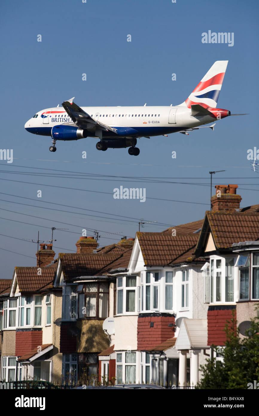 British Airways Airbus A319-131 avion à l'atterrissage à l'aéroport de Londres. (41) Photo Stock