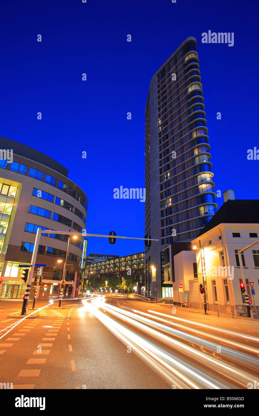 Le centre-ville de Eindhoven à nuit Photo Stock