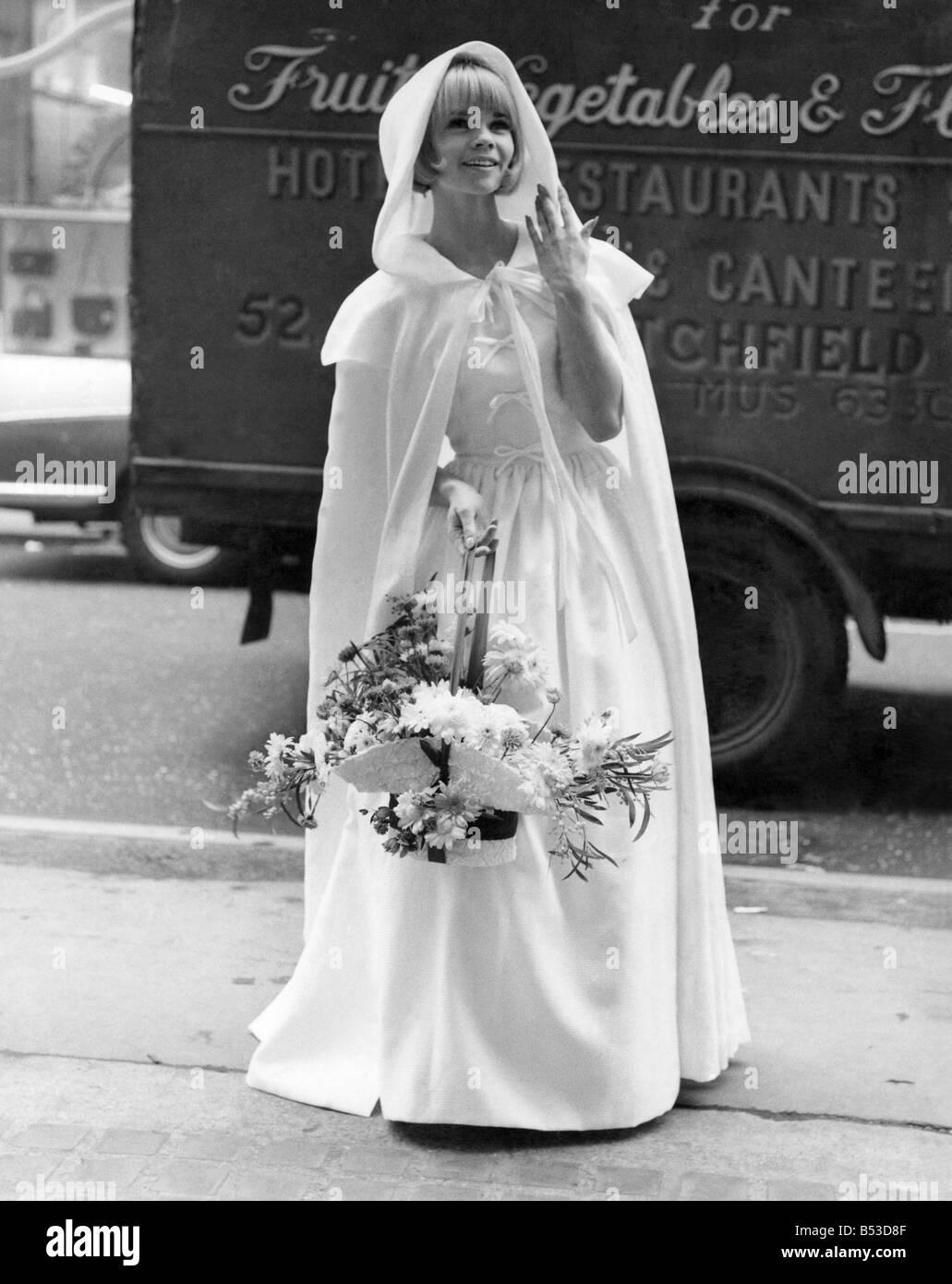 Robe De Mariée Années 60 Mademoiselle Dentelle