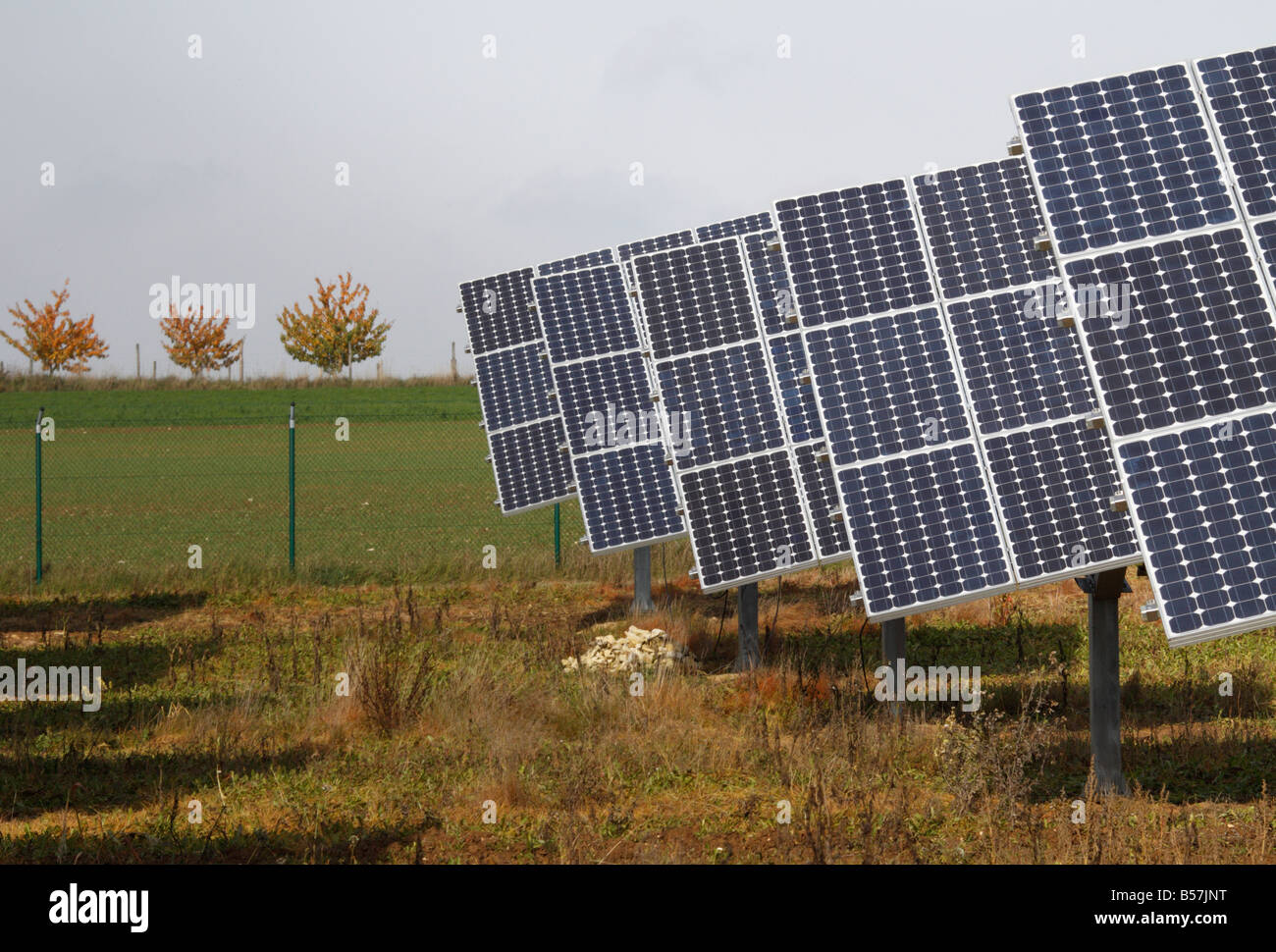 Des panneaux solaires sur une ferme en Allemagne. C'est à Oberrüsselbach, Igensdorf, dans la région Photo Stock