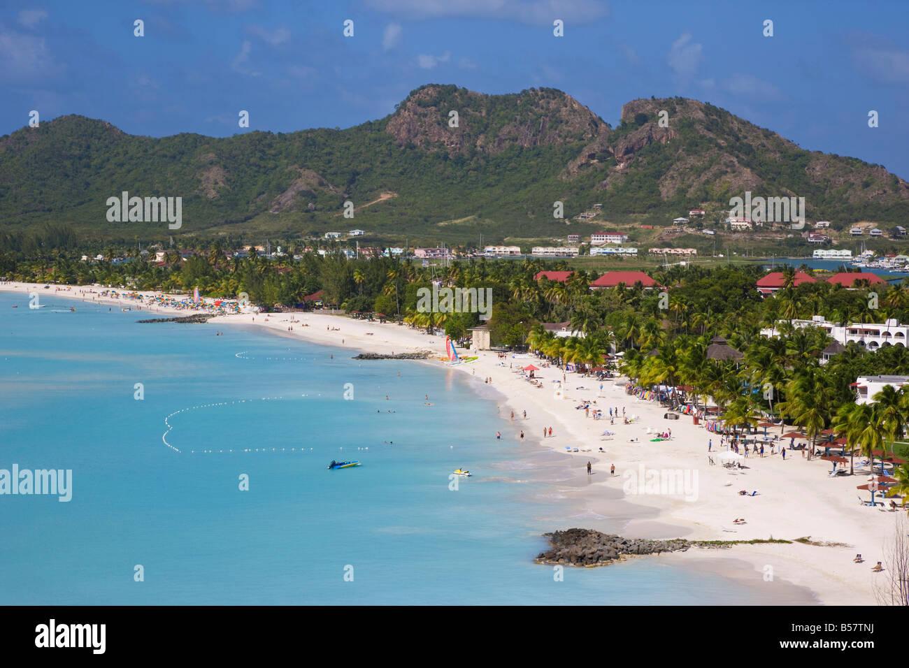 Vue sur élevée et de Jolly Harbour, Antigua Jolly Beach, les îles sous le vent, Antilles, Caraïbes, Photo Stock