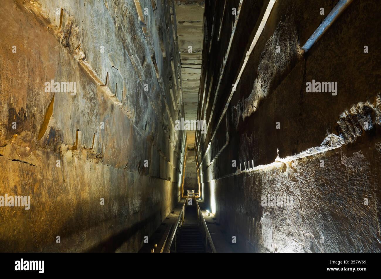 la grande galerie lintrieur de la grande pyramide de khufu cheops gizeh site du patrimoine mondial de lunesco lgypte lafrique du nord afrique