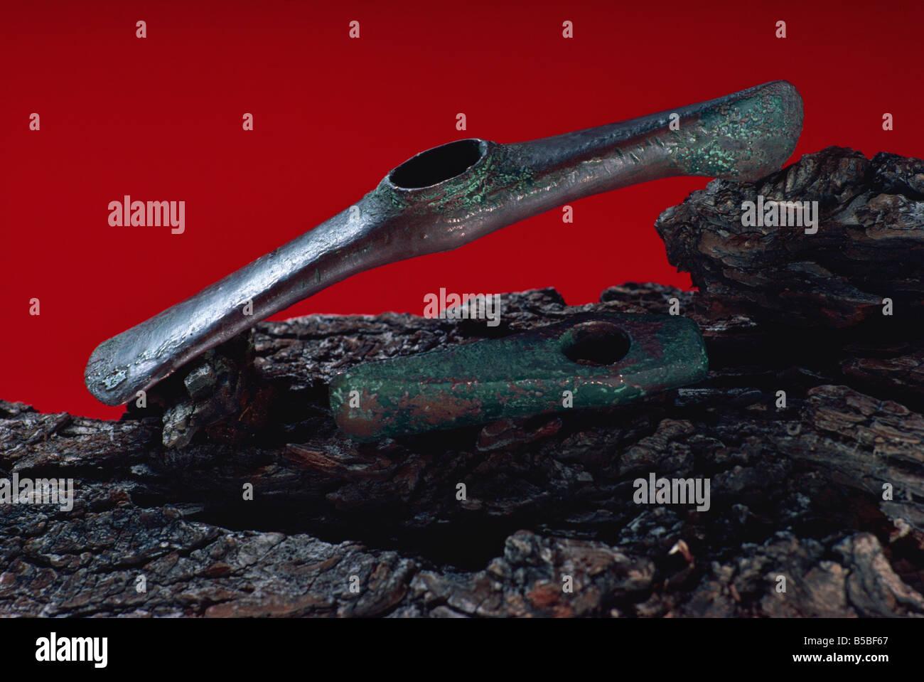 Les outils en cuivre, datés au radiocarbone à 4000 BC, Ashmolean Museum, Oxford, Oxfordshire, Angleterre, Photo Stock