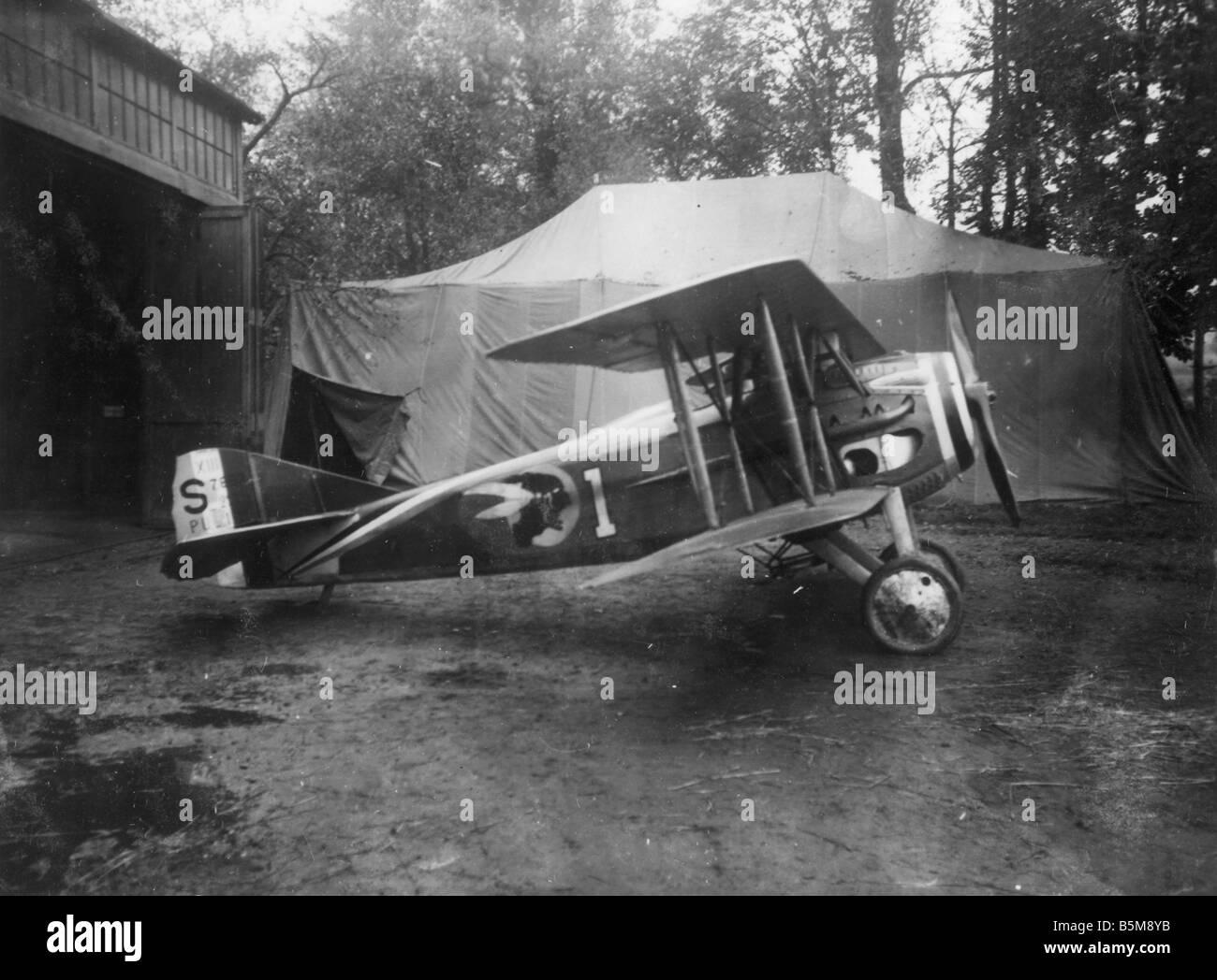 La PREMIÈRE GUERRE MONDIALE avion français Spad XIII Histoire de la guerre aérienne DE LA PREMIÈRE GUERRE MONDIALE avion de combat français Spad XIII volé en 1917 au début de 1918 photo 18 Banque D'Images