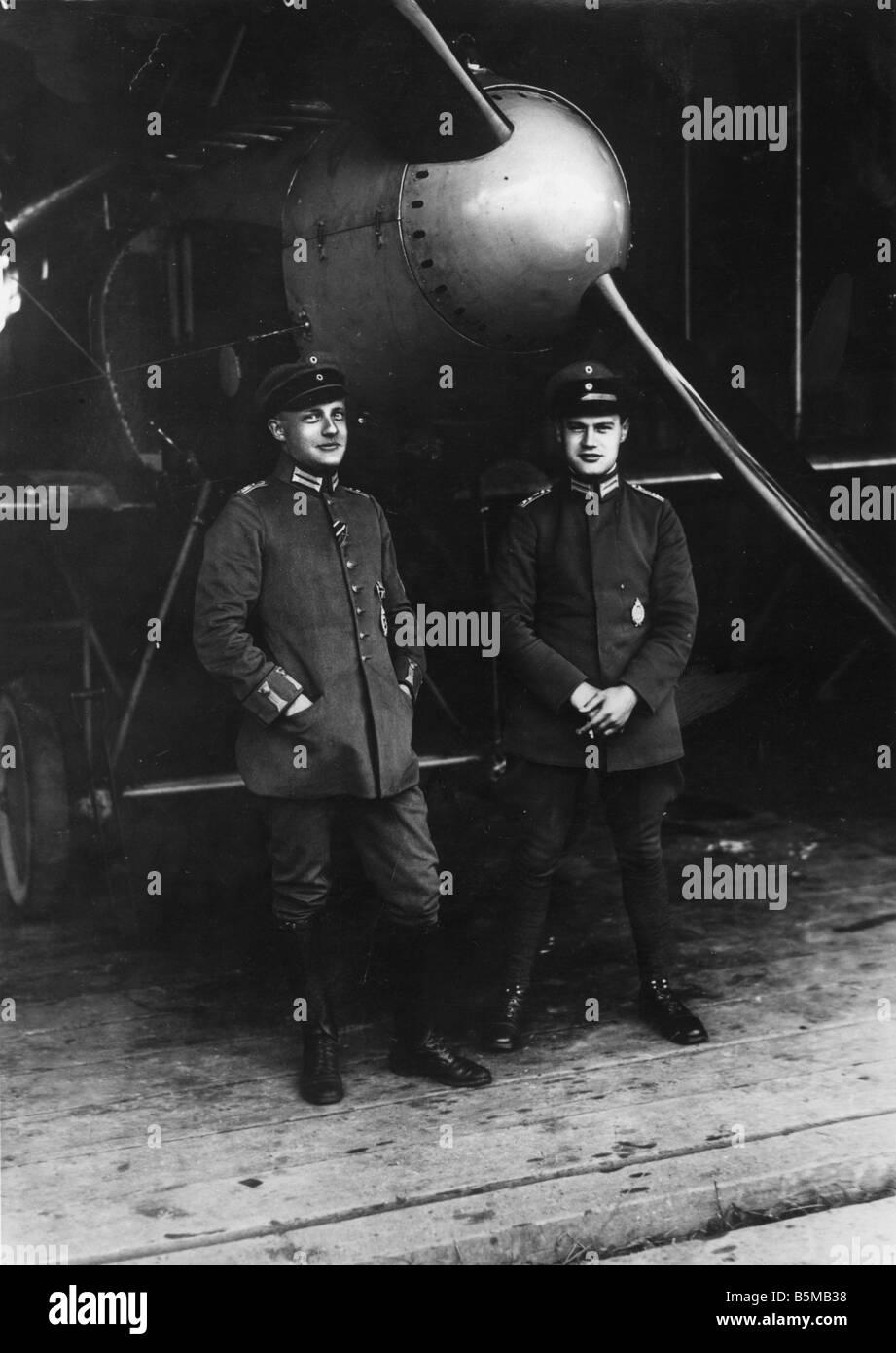 2 M75 L1 1918 2 avion de chasse allemand mendier de l'équipage militaire 1918 Luftwaffe allemande Première Guerre Mondiale 1914 18 avion de chasse allemand je l'équipage Banque D'Images