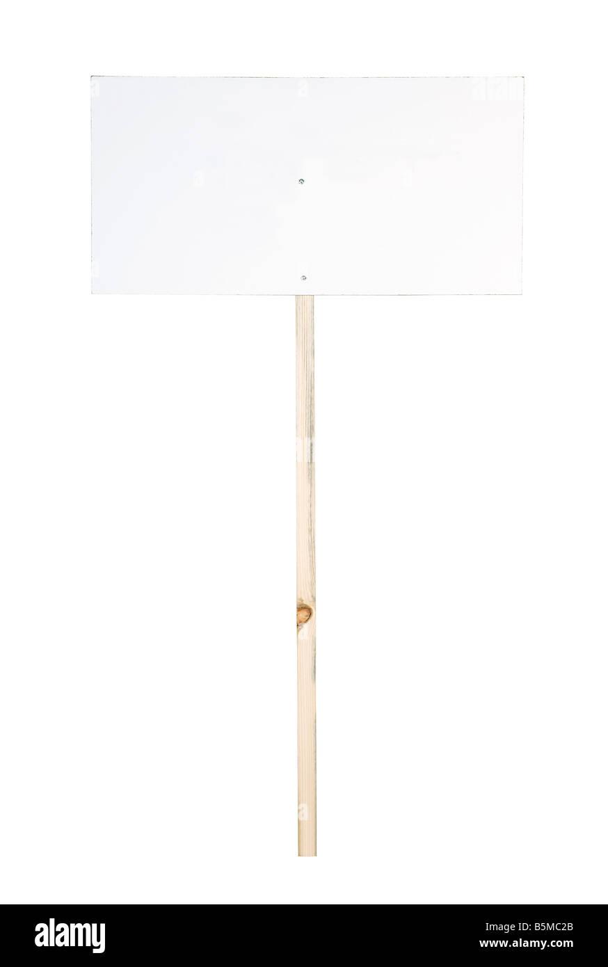 Panneau blanc isolé sur fond blanc insérer votre propre message. Photo Stock