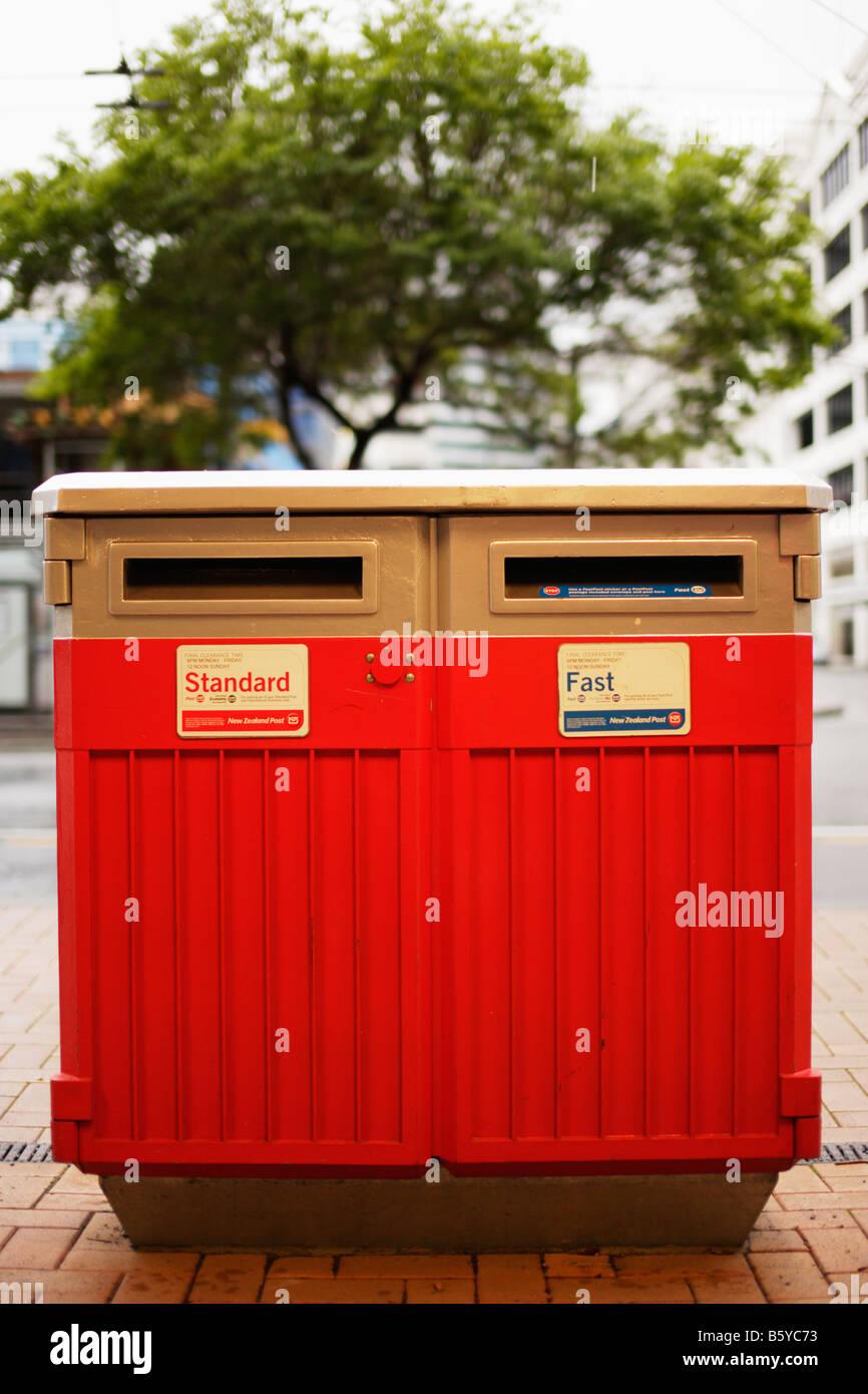 Post Box Wellington New Zealand Banque D'Images