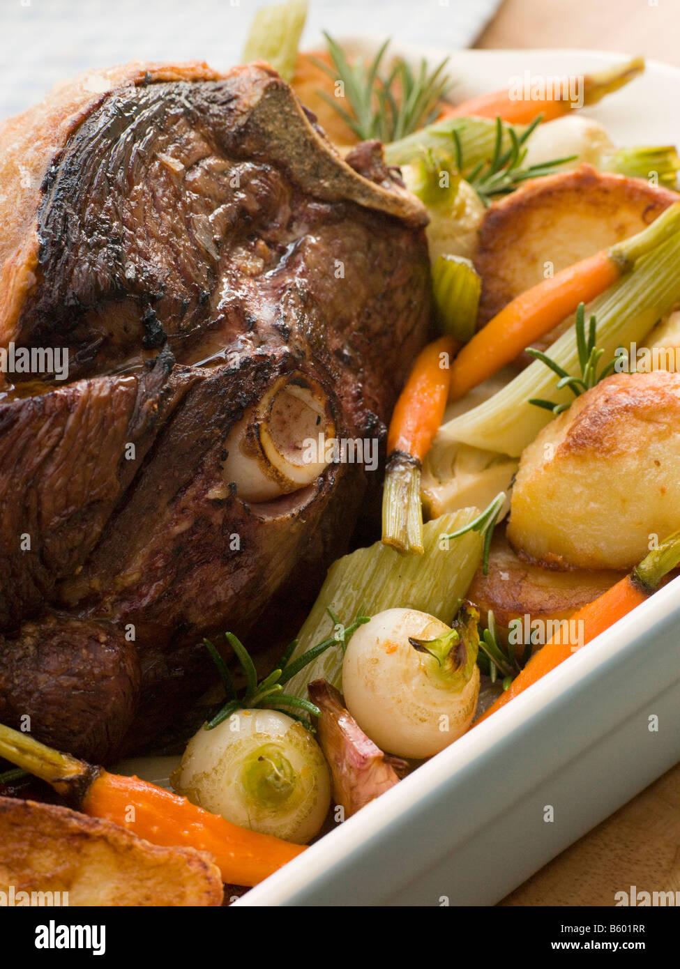 Rôti de longe de porc britannique avec grésillement Photo Stock