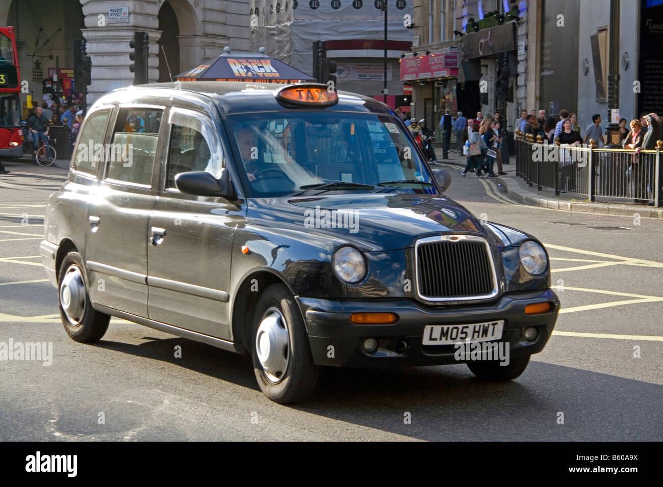London taxi dans la ville de Londres en Angleterre Photo Stock