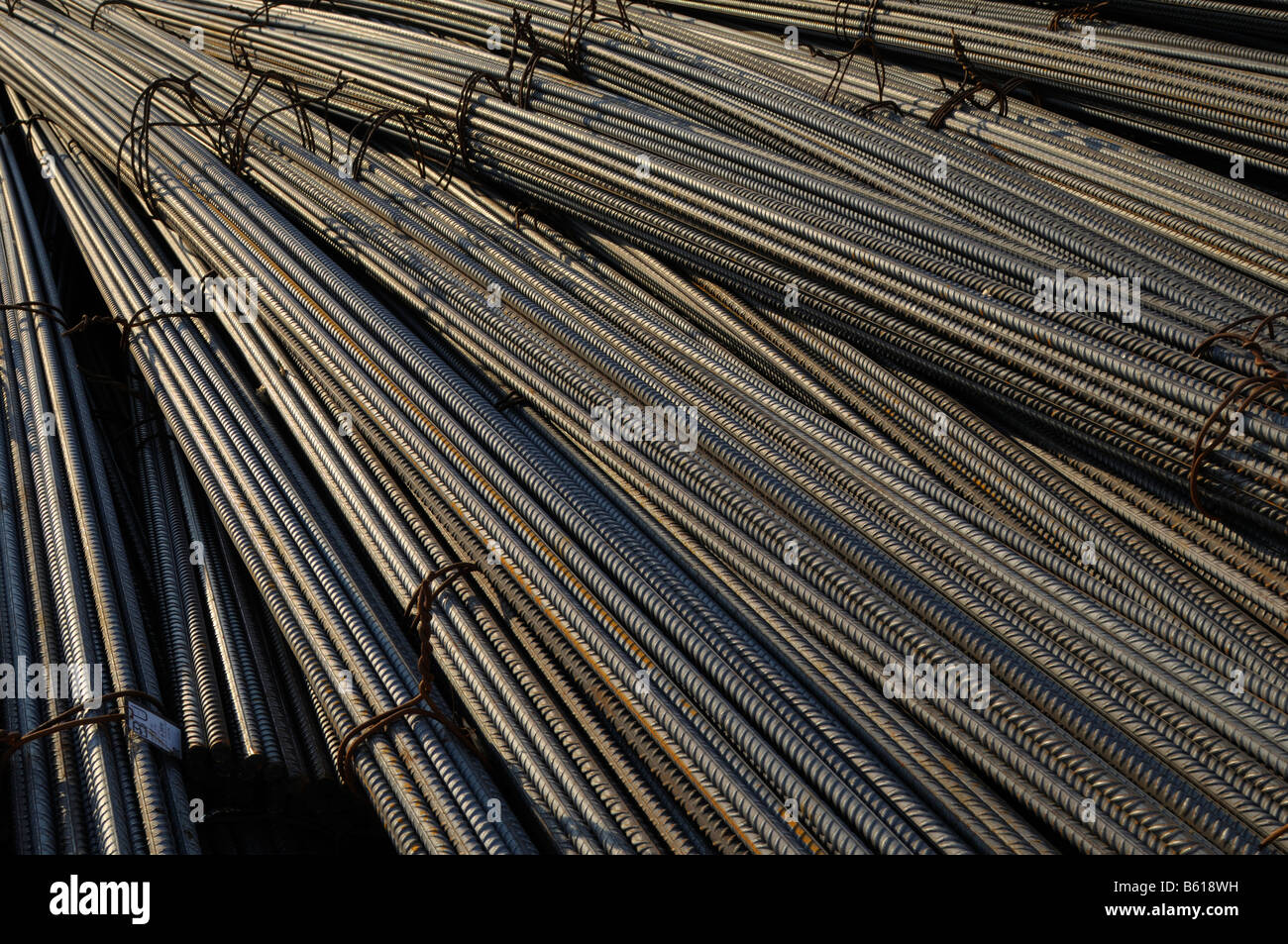 Les tiges d'acier, le traitement du fret, format-remplissage Photo Stock