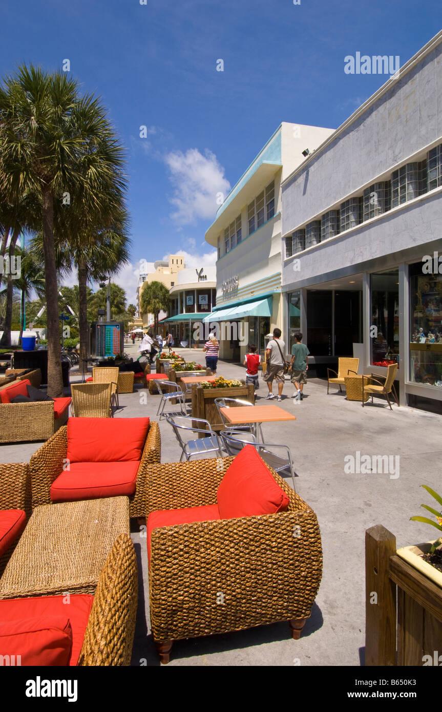 Boutiques et restaurants de Lincoln Road 'art Déco' 'South Beach' Miami Florida USA Photo Stock