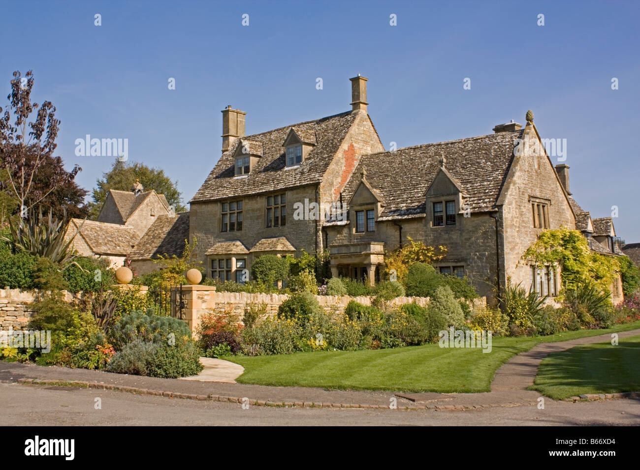 Belle grande maison et jardins modernes Cotswold Cotswolds Chipping ...