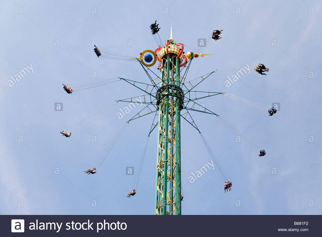 Le plus grand manège du monde, carrousel, Les Jardins de Tivoli, Copenhague, Danemark Photo Stock