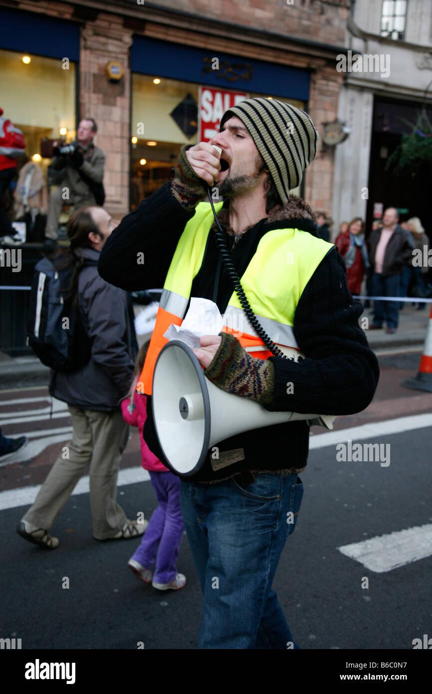 Manifestant à la campagne contre le changement climatique mars à Londres. Photo Stock
