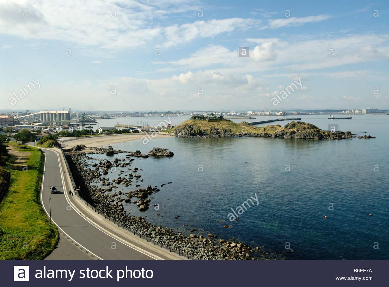 Avec l'île de temple près de Hachinohe dans la région de Tohoku au Japon Photo Stock