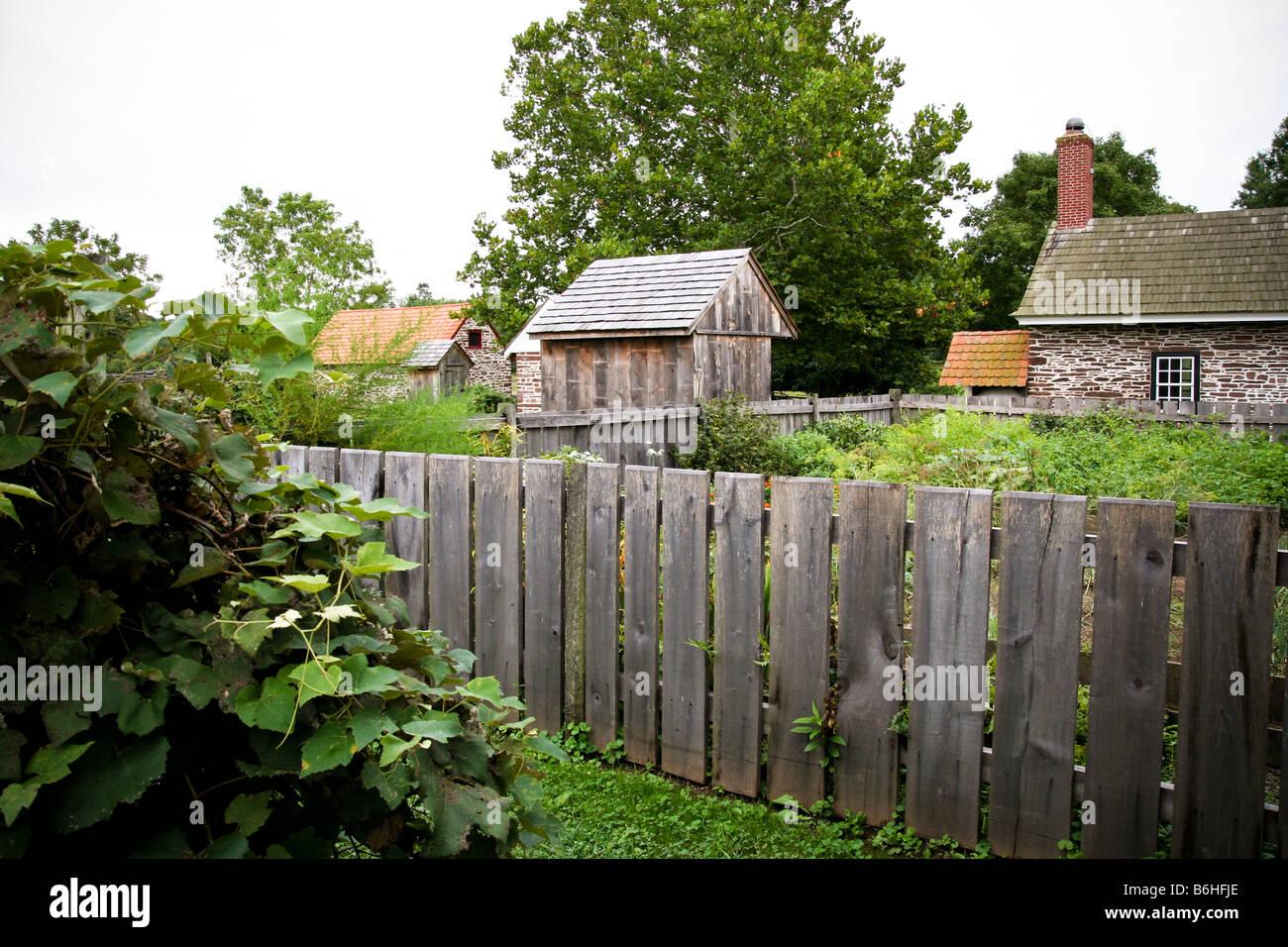 Cuisine Jardin Salon d\'une ancienne ferme du 18ème siècle ...
