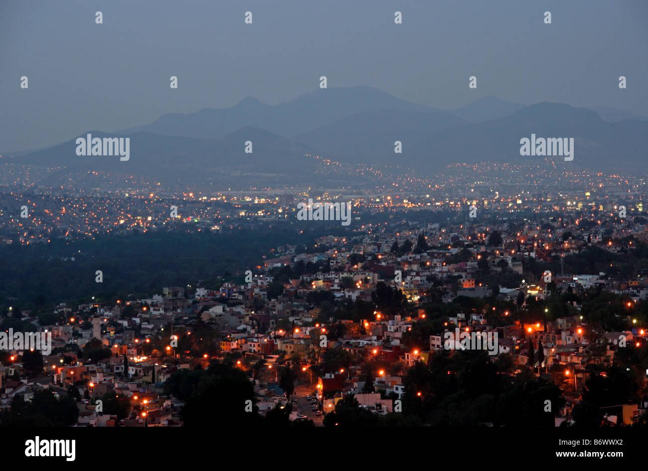 Mexique, Mexico. Vue sur la ville de Mexico, à l'aube. Photo Stock