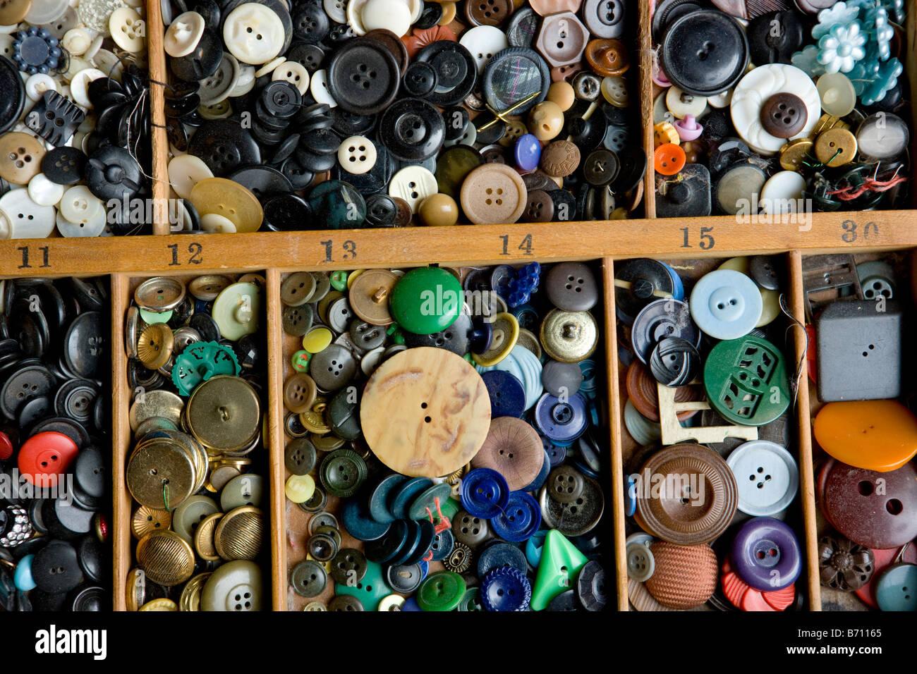 Une collection de boutons multicolores Photo Stock
