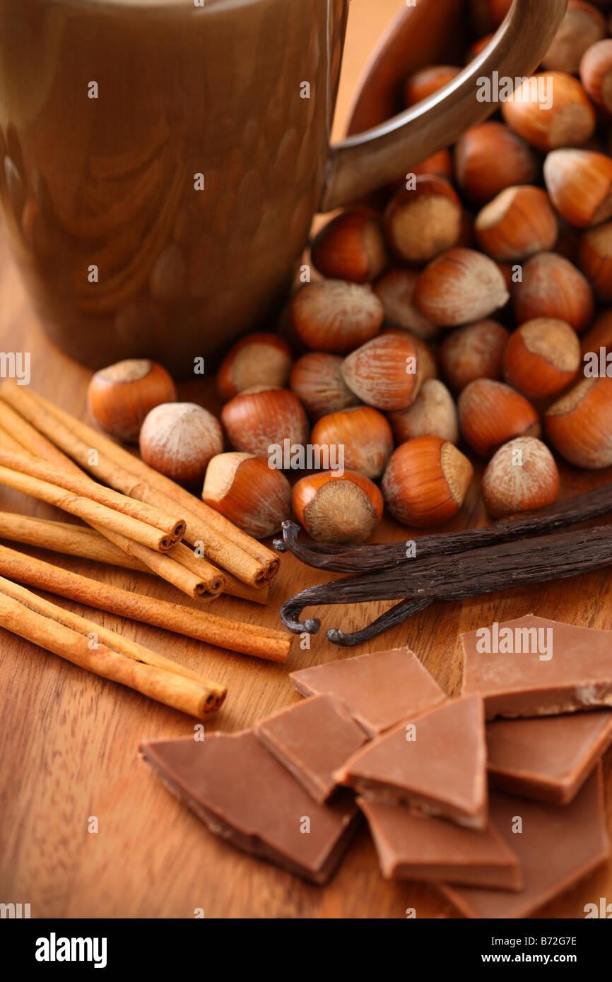 Saveurs de café Cannelle vanille et chocolat aux noisettes Photo Stock