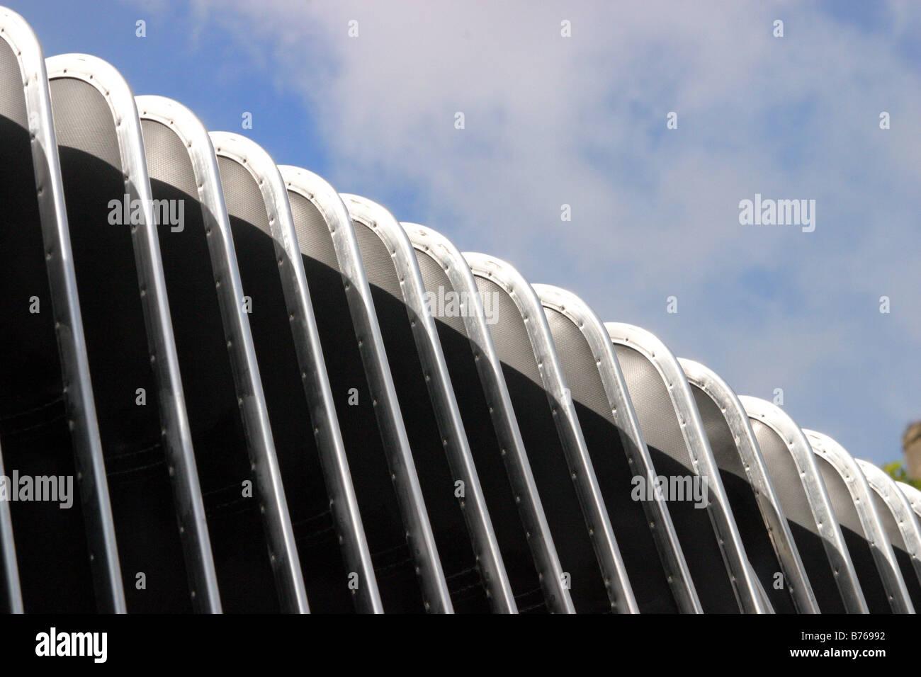 Section centrale de concertina souple un bus bendy Photo Stock
