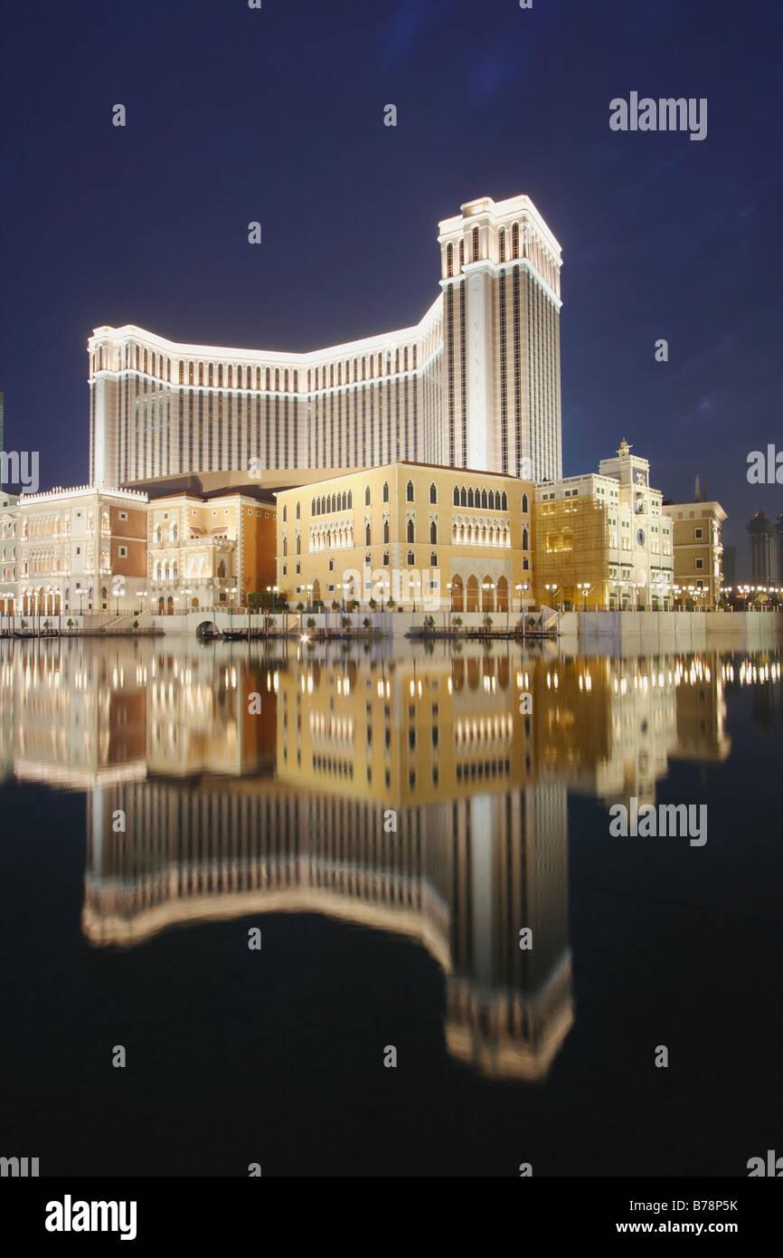 Reflet de l'hôtel Venetian Macao, au crépuscule Photo Stock