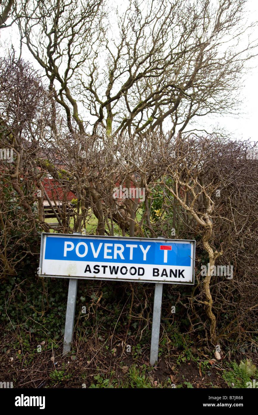 Une route appelée la pauvreté dans le village d'Astwood Bank Worcestershire England UK Photo Stock