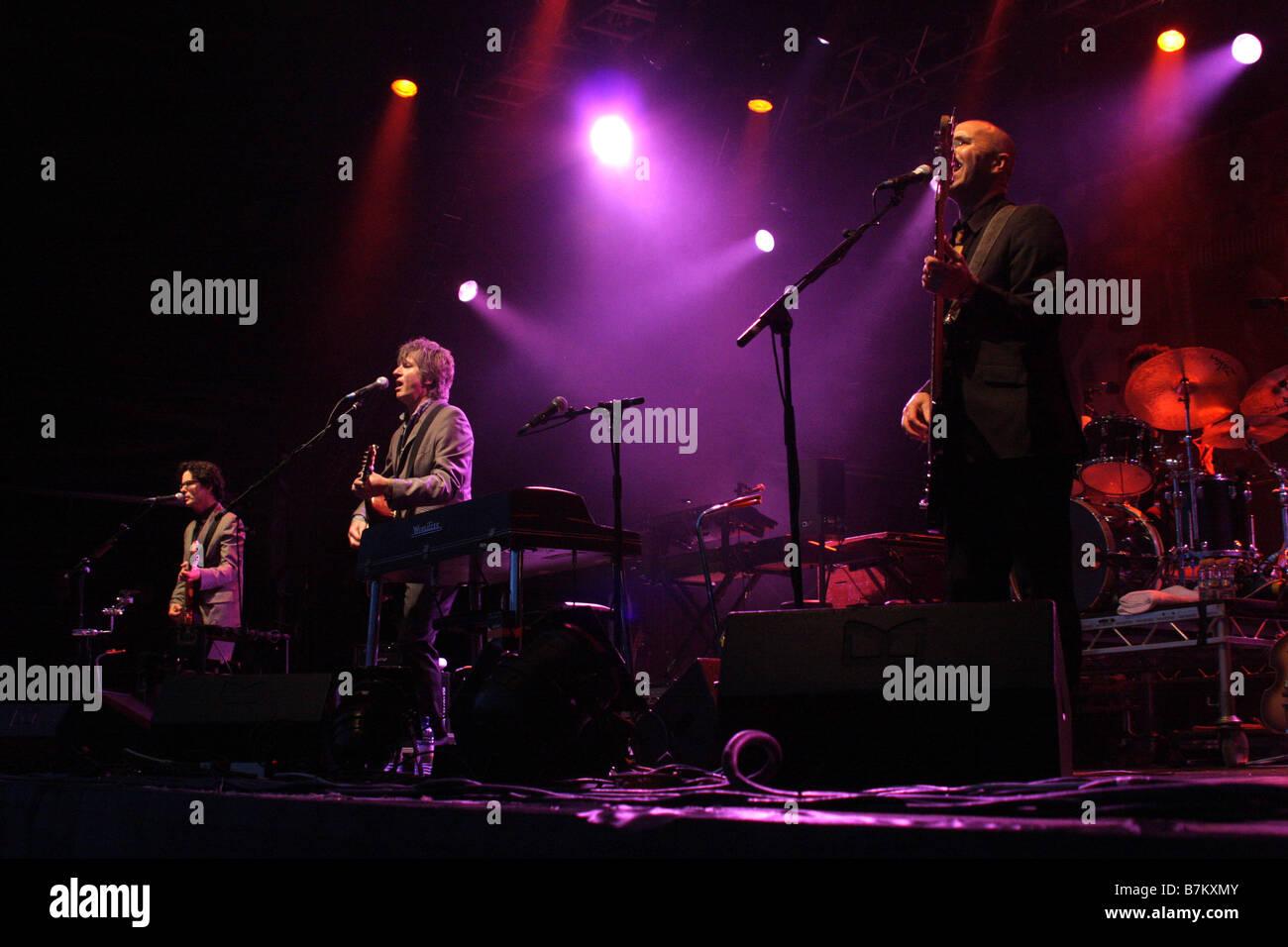 Cornbury Festival Headliners Crowded House sur scène 2008 Banque D'Images